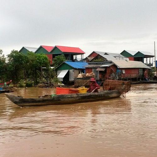Pueblo flotante KampongKhleang Camboya