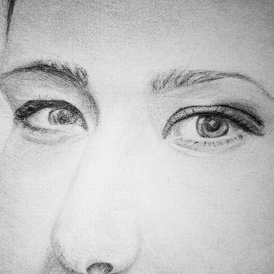 А это глазки-алмазки ? @breathe.izzy Eyes Drowing портрет рисунок глаза карандаш