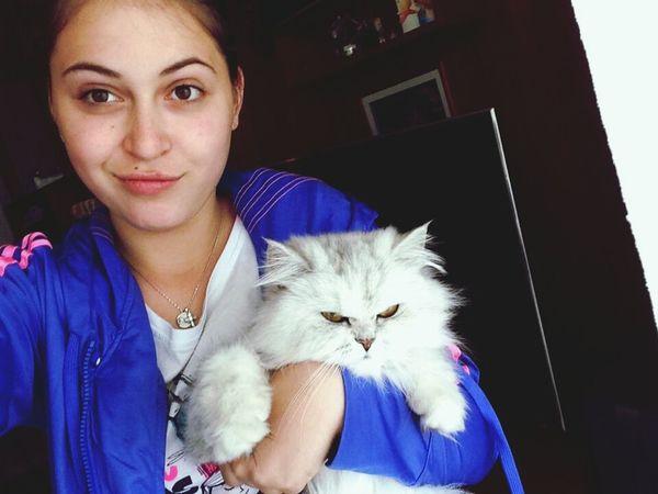 да си котка :-D :-D:-D:-D