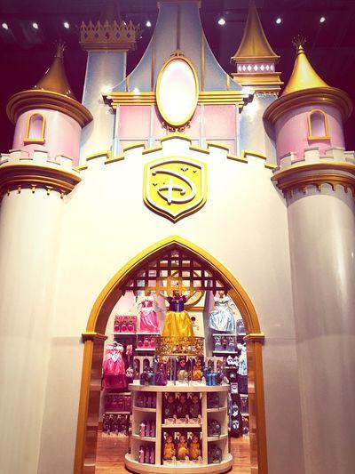 👑🏰💞✨ Disney Disneystore Newyork NYC USA America Castle Princess Cute Store Snowwhite Walt Disney