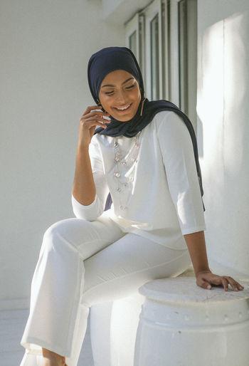 smile Sitting Outdoors Portrait Of A Woman Malaysian Woman Beauty EyeEm Best Shots Eyemgallery Eyem Portraits Adult Uniqueness