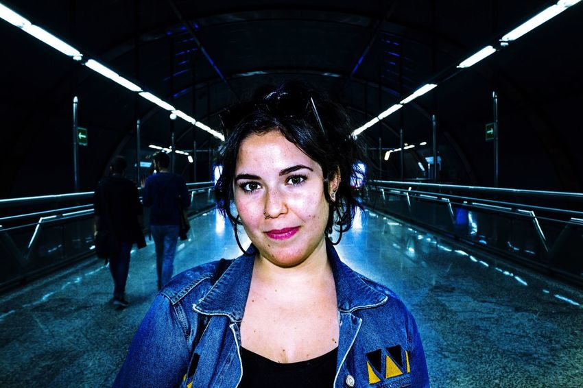 The girl of subway She Looking At Camera Portrait Real People Illuminated One Person Young Adult Women One Woman Only Subway Madrid Subway Blue Smile Streetphotography Canonphotography Canon550D Light Long Goodbye
