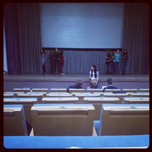 Сидим на репетиции королева весна =) национальнаябиблиотека Минск