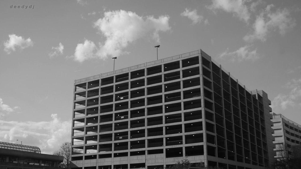 architecture, built structure, building exterior, sky, cloud - sky, low angle view, city, day, modern, outdoors, no people