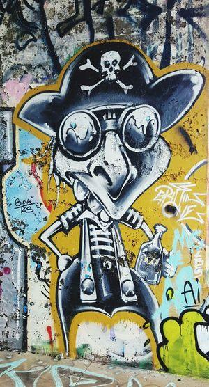 Graffiti Graffitiart Pirates Oneeyeopen Busstop San Francisco Outofnowhere