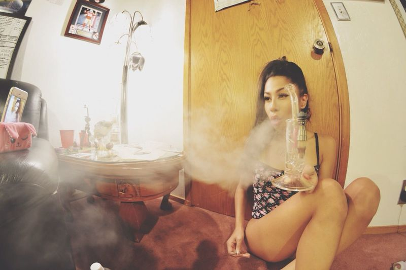 Girls Who Smoke Concentrates Dabs Errl ??