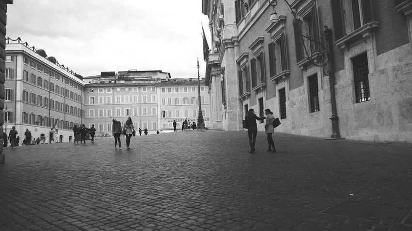 Piazza Montecitorio ....