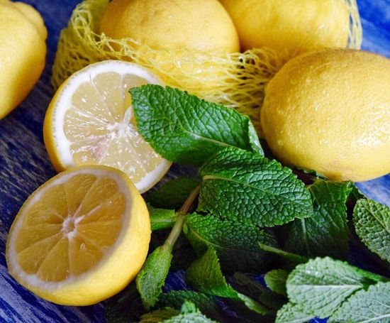 Fruit Food And Drink Healthy Eating Freshness Lemon Citrus Fruit Food No People Indoors  Close-up SLICE Day Mint Leaf - Culinary Green Color Essentialoils SLICE Leaf Food And Drink Indoors  Freshness