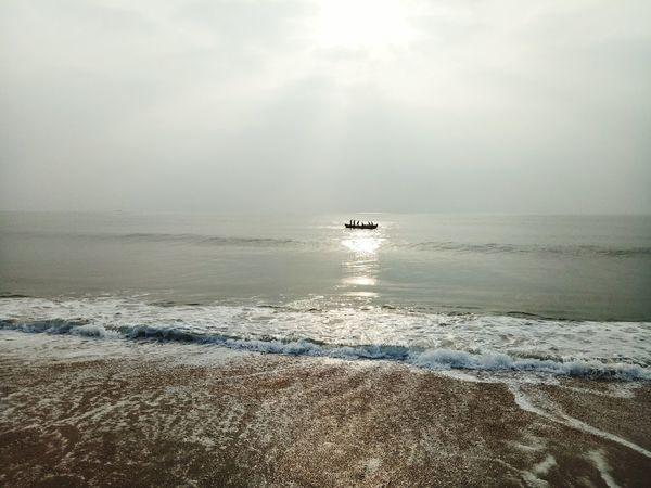 Beauty In Nature Sea Sunbeam Outdoors Love To Take Photos ❤ Lovelovelove