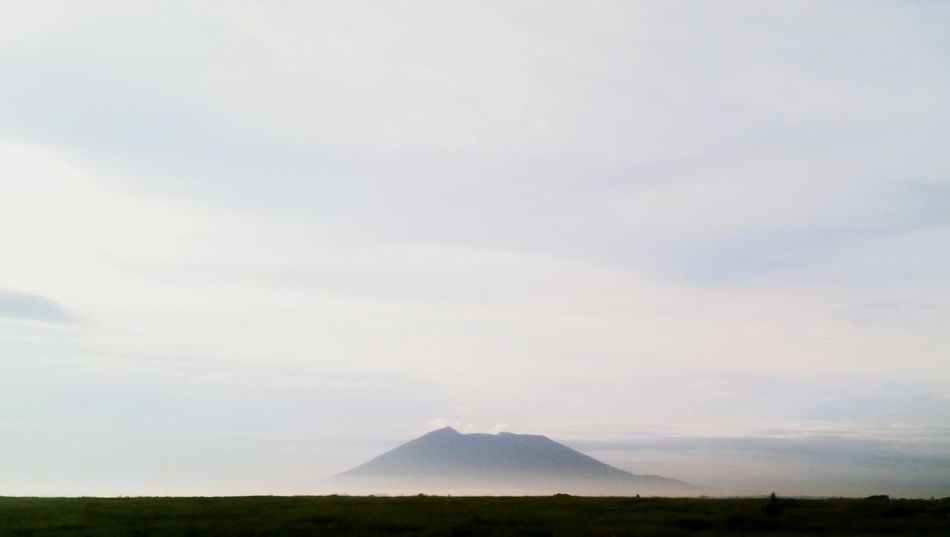 Philippines EyeEm Landscapes Horizon Eyeem Philippines Nature Faded LINE Landscape Mt. Arayat Fog Mist Sunrise Curves Mountain Sky Photography EyeEm Pampanga Pampanga EyeEm Vision Lost In The Landscape