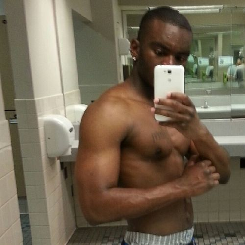 04_27_13 TBT  Gymflow yall do it for the ig likes I do if for life. Been in the gym b4 it became an ig trend... I miss my size I'll get it back soon...