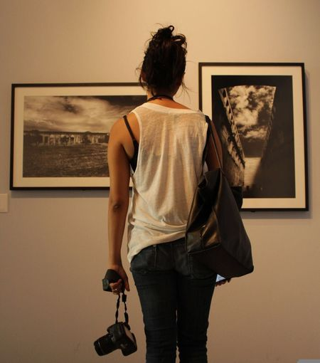 The art of photography Rear View Standing One Person Indoors  Lifestyles Holding Camera Girl Canonphotography Canon Photography Mestradaphotography Portrait Of A Woman Portrait Mid Yúcatan