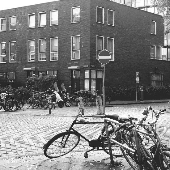 Fietsen serie op straat Amsterdam Taking Photos