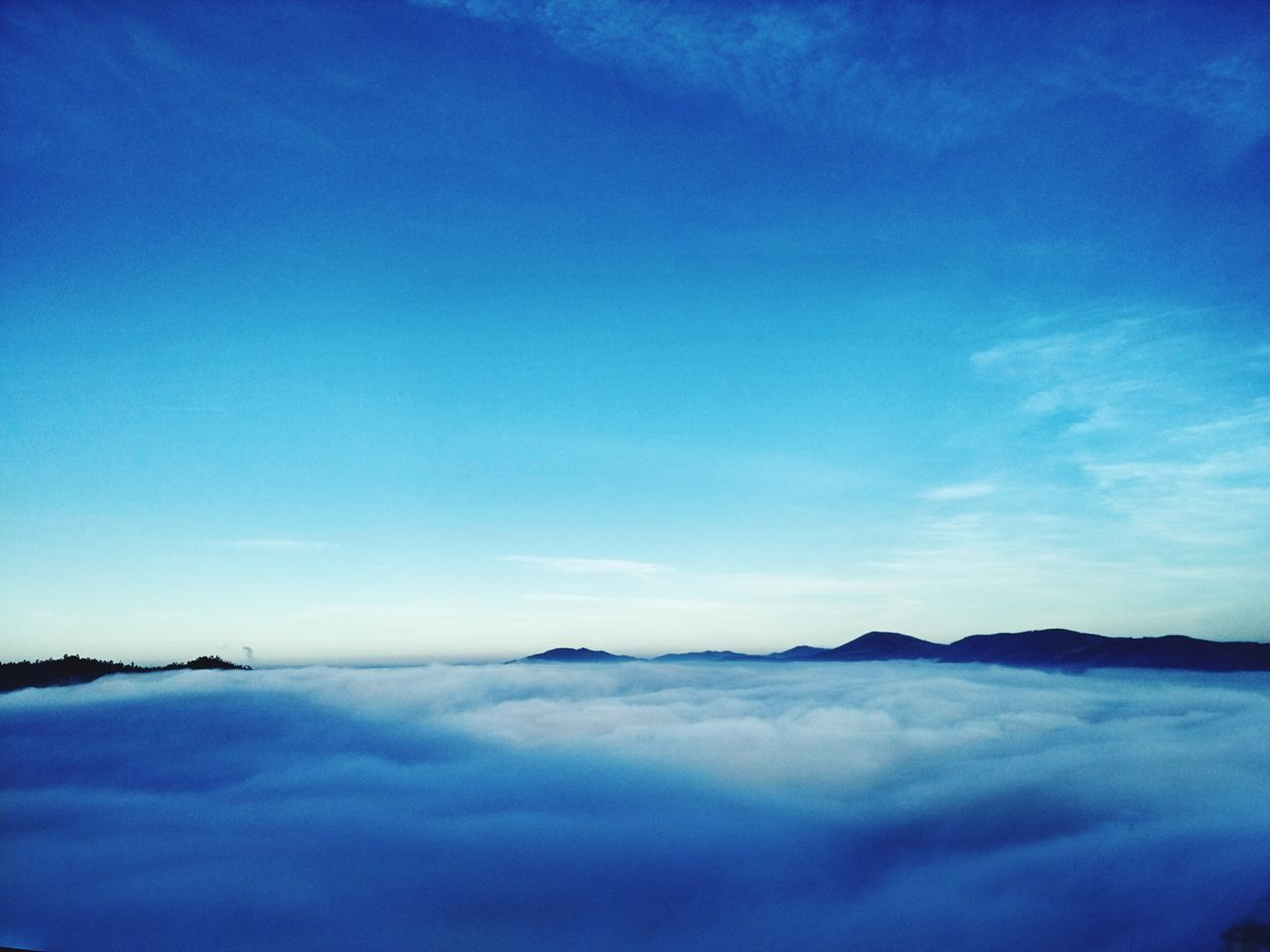 scenics, blue, tranquility, beauty in nature, nature, sky, tranquil scene, cloud - sky, no people, outdoors, day