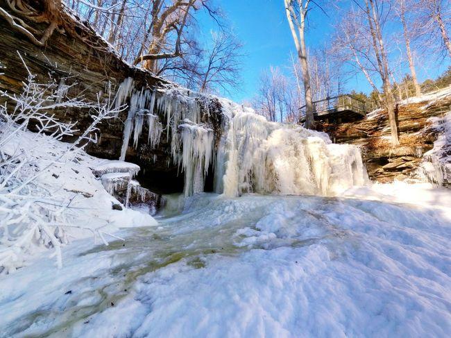 How's The Weather Today? -30° Nexus 5 Winter Waterfall