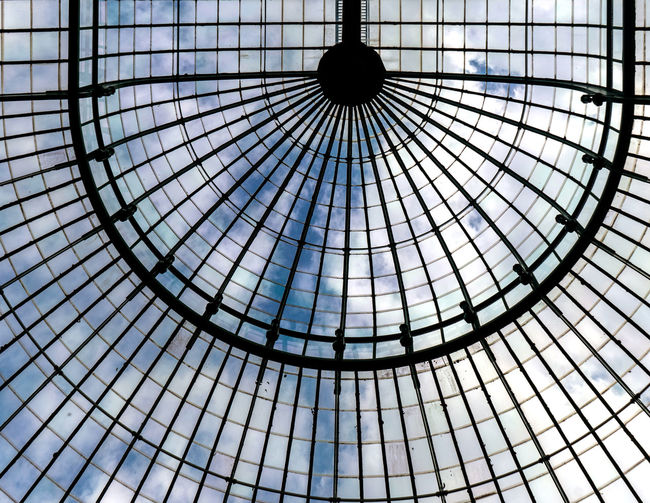 Serres De Laeken (Brussels). Architecture Backgrounds Built Structure Ceiling Circle Concentric Cupola Day Design Directly Below Dome Full Frame Geometric Shape Glass - Material Indoors  Low Angle View Modern Nature No People Pattern Shape Sky Skylight Skyscraper Sunlight