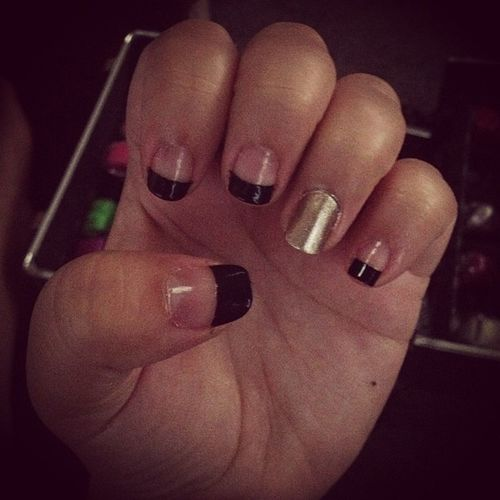 Nails Frenchtips Love Black gold accentnail