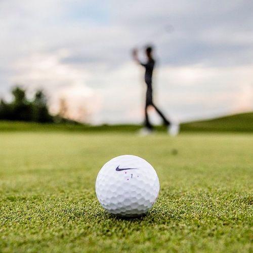 Golf Golfer Golfball Nike nikegolf puttinggreen sunset white green 1