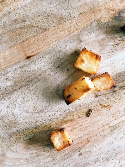 Food Food And Drink Still Life High Angle View No People Wood - Material Indoors  Close-up Freshness Bread SLICE Healthy Eating Wellbeing Baked Directly Above Heat - Temperature Day Nature Preparation  French Food Snack Potato Roast Roast Dinner Thyme