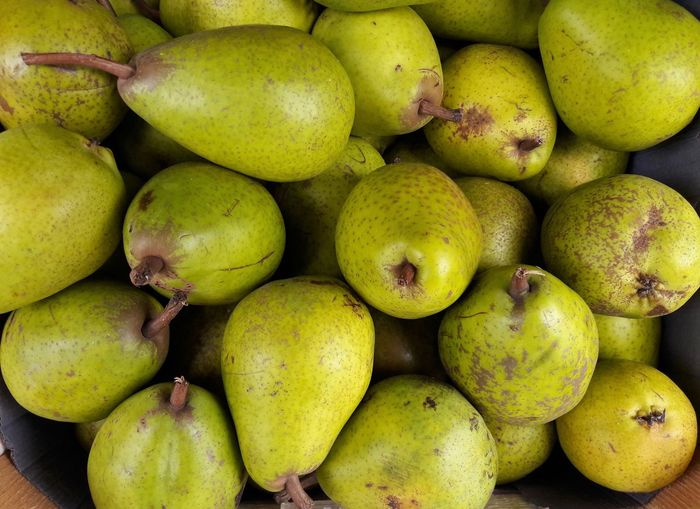 pears at the