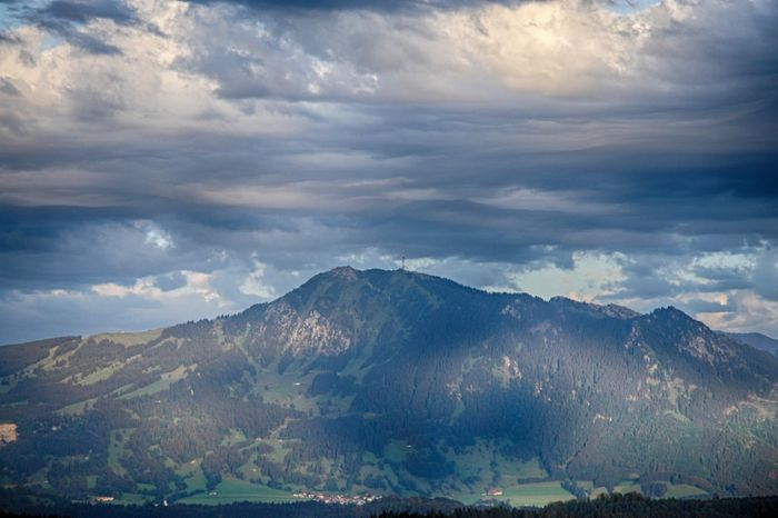 Der Grünten Beauty In Nature Cloud Cloud - Sky Cloudy Day Grünten Idyllic Landscape Majestic Mountain Mountain Range Nature No People Non Urban Scene Non-urban Scene Outdoors Physical Geography Remote Scenics Sky Tranquil Scene Tranquility Travel Destinations Weather