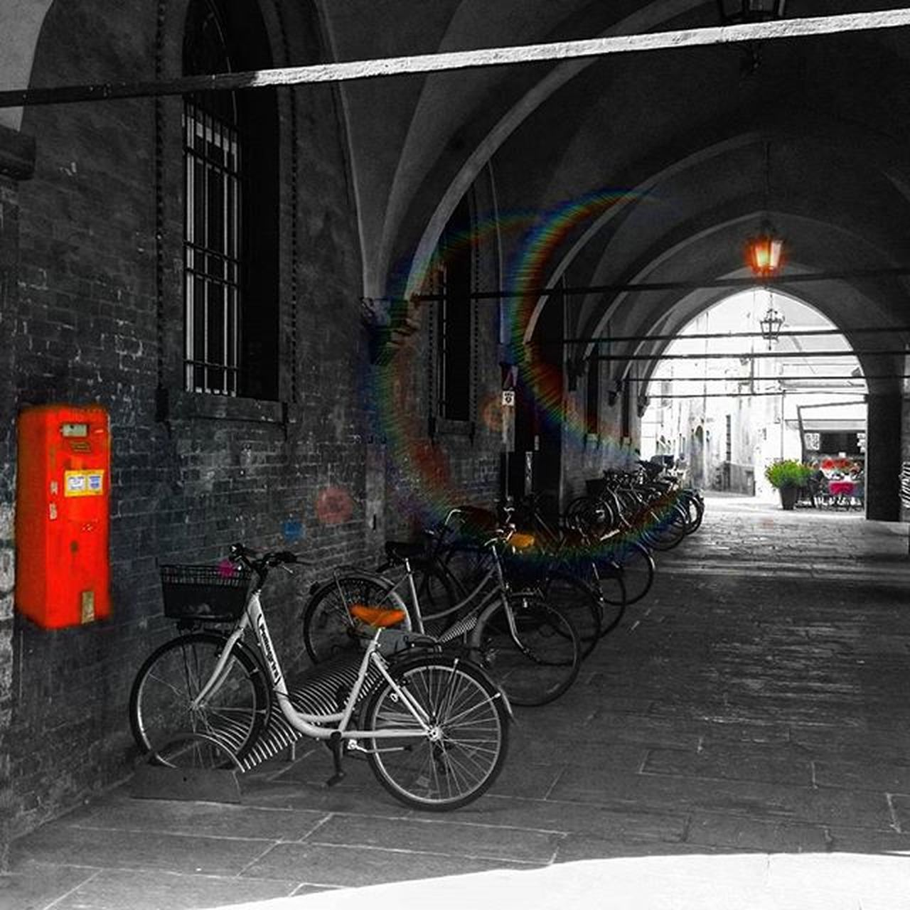 bicycle, transportation, architecture, built structure, mode of transport, land vehicle, stationary, day, no people, indoors, building exterior, city