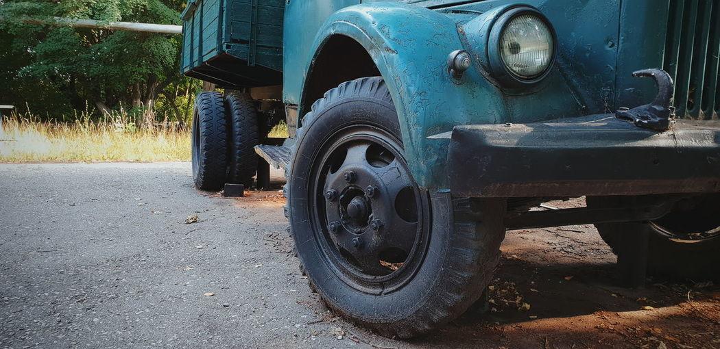 Old Rust Vintage Tire Land Vehicle Close-up Parking Vehicle Roadways Street Scene Car Vintage Car Windscreen