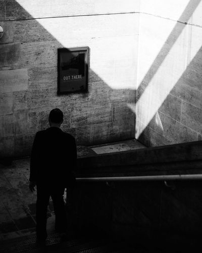 Back In Black : ACDC 🎧 Urban Shadows People Photography Everybodystreet City Life London Blackandwhite Streetphotography Chasinglight Architecture EyeEm Black & White