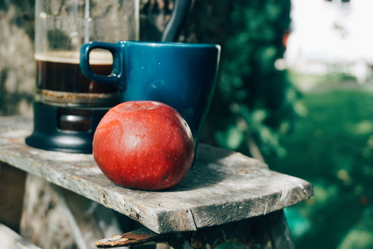 coffee break in the garden Apple Coffee Coffee - Drink Coffee Cup Break Relaxing Garden Outdoors Harvest Harvesting Harvest Time Fruit Drink Close-up Food And Drink Apple - Fruit Apple Tree Orchard Fruit Tree Autumn Mood