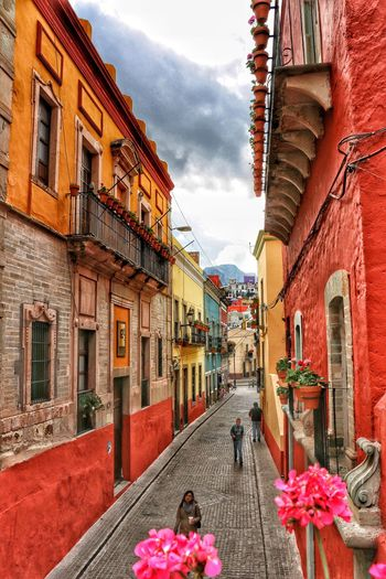 First Eyeem Photo Colors Travel Beautiful Arquitecture City Guanajuato Photography Photooftheday Streetphotography Perspective