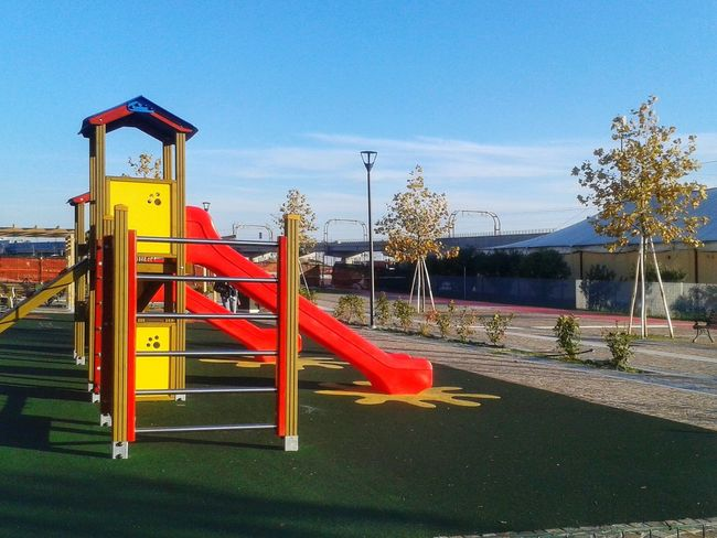 Giochi Per Bambini Kinderspielplatz Playground No People Childhood Outdoors Day Sky Red Outdoor Play Equipment Android Photography S3 Mini Smartphone Photography