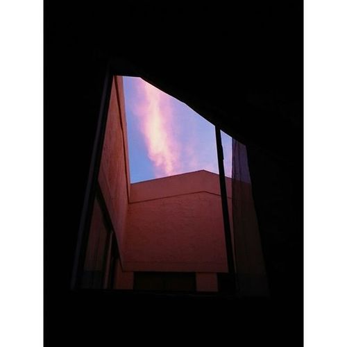 """""""No fue una suma de cosas, fue el espacio entre esas cosas"""" Sunnyafternoon Window Myhome Book Phrasebook Unosiemprecambiaalamordesuvidaporotroamoroporotravida Cali Colombia Huawei Vscocam"""
