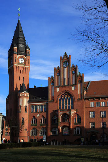 Berlin Rathaus Köpenick Berlin Rathaus Architecture Building Exterior Built Structure City Clock Clock Tower Day History Köpenick No People Outdoors Place Of Worship Rathaus Köpenick Sky