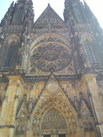 Соборсвятоговита Pragu Travelin Taking Photos Popular Photos Have A Look Beautiful Architectu
