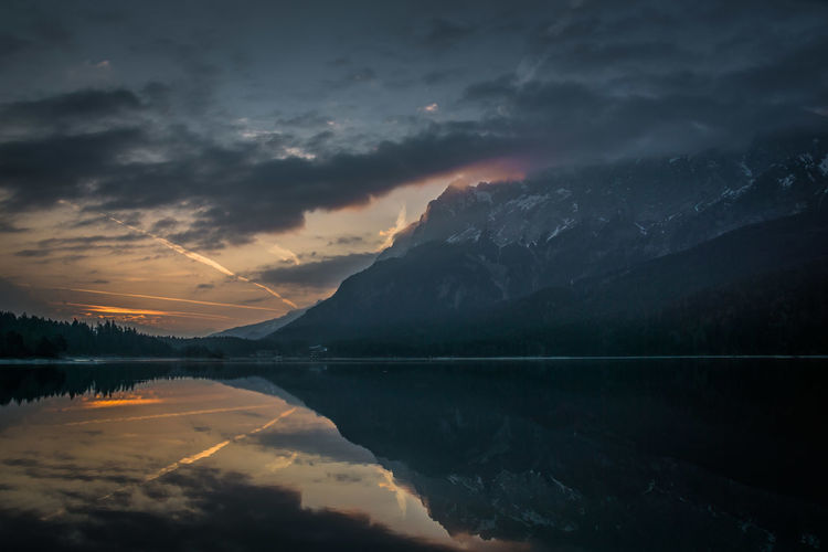 Reflection Lake View Scenery Alps Germany Bavaria Mountains Eibsee Water Mountain Lake Sunset Reflection Sky Landscape Reflection Lake Dawn Dramatic Sky Atmospheric Mood Sunrise