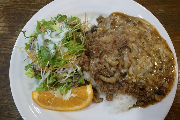 Shimeji Mushrooms Cheese Ground Meat Rice Yummy In My Mouf Foodporn Enjoying A Meal Ricoh GRD III 【バーボン】オリジナルライスなり!シメジと挽き肉をみりんしょうゆで炒めて、溶ろけるチーズがかかってる!