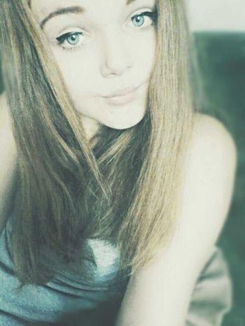 Blond Hello