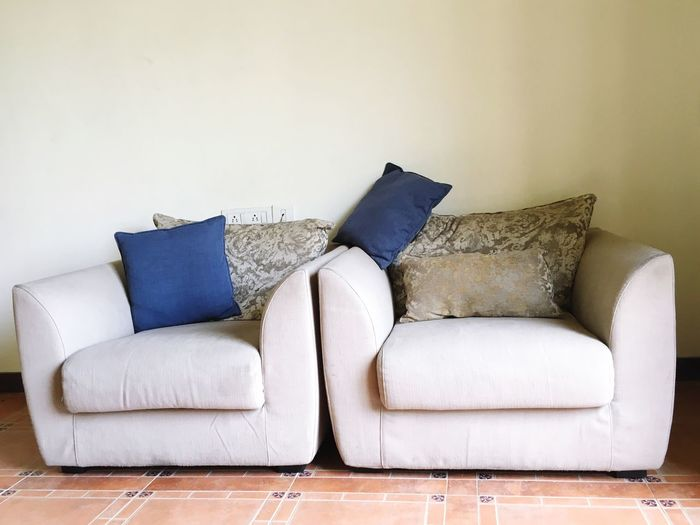 Sofa(e) Sofa Furniture Pillow Indoors  Home Interior Domestic Room Stuffed Cushion No People Relaxation
