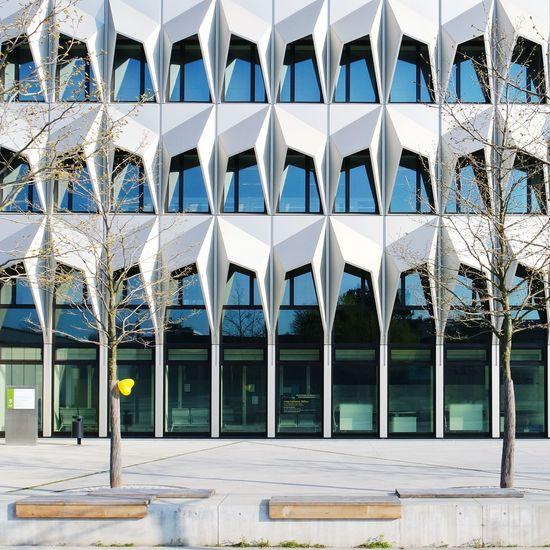 yellow balloon... Urlaubmit Herz @neckermannreisen Ballon Yellow Architecture Modern Architecture Your Design Story