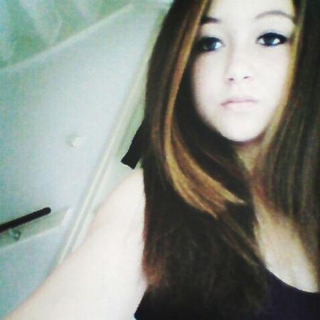 me today dutch girl bruntte blue eyes brown hair style doubletab just like love him ok bye ♡ Model
