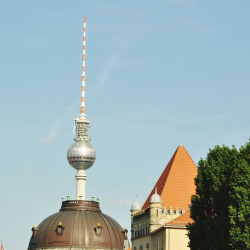 Low angle view of berliner fernsehturm against sky