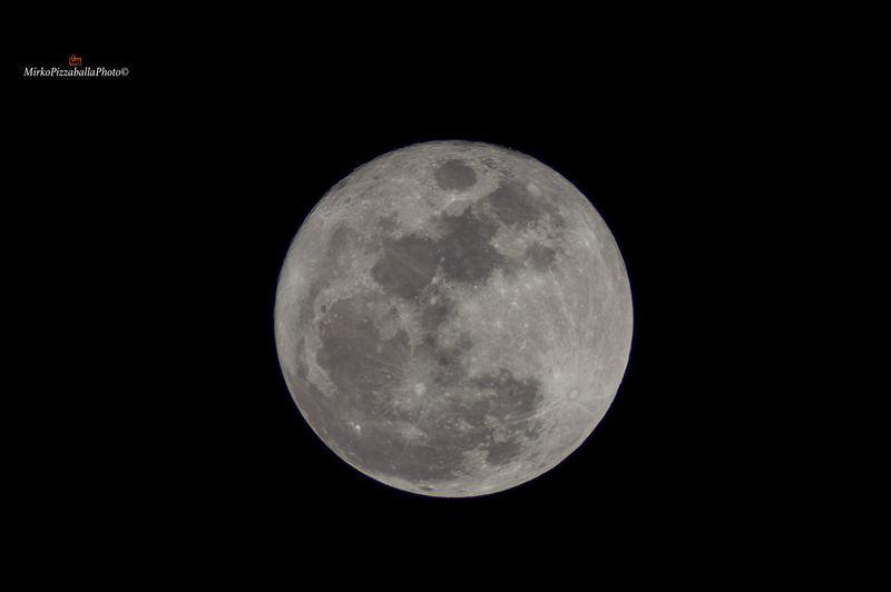 Cielo Cieloazzurro Crater Full Frame Luna, Cane Lunafredda Moon Natal Night Nikond7200 First Eyeem Photo