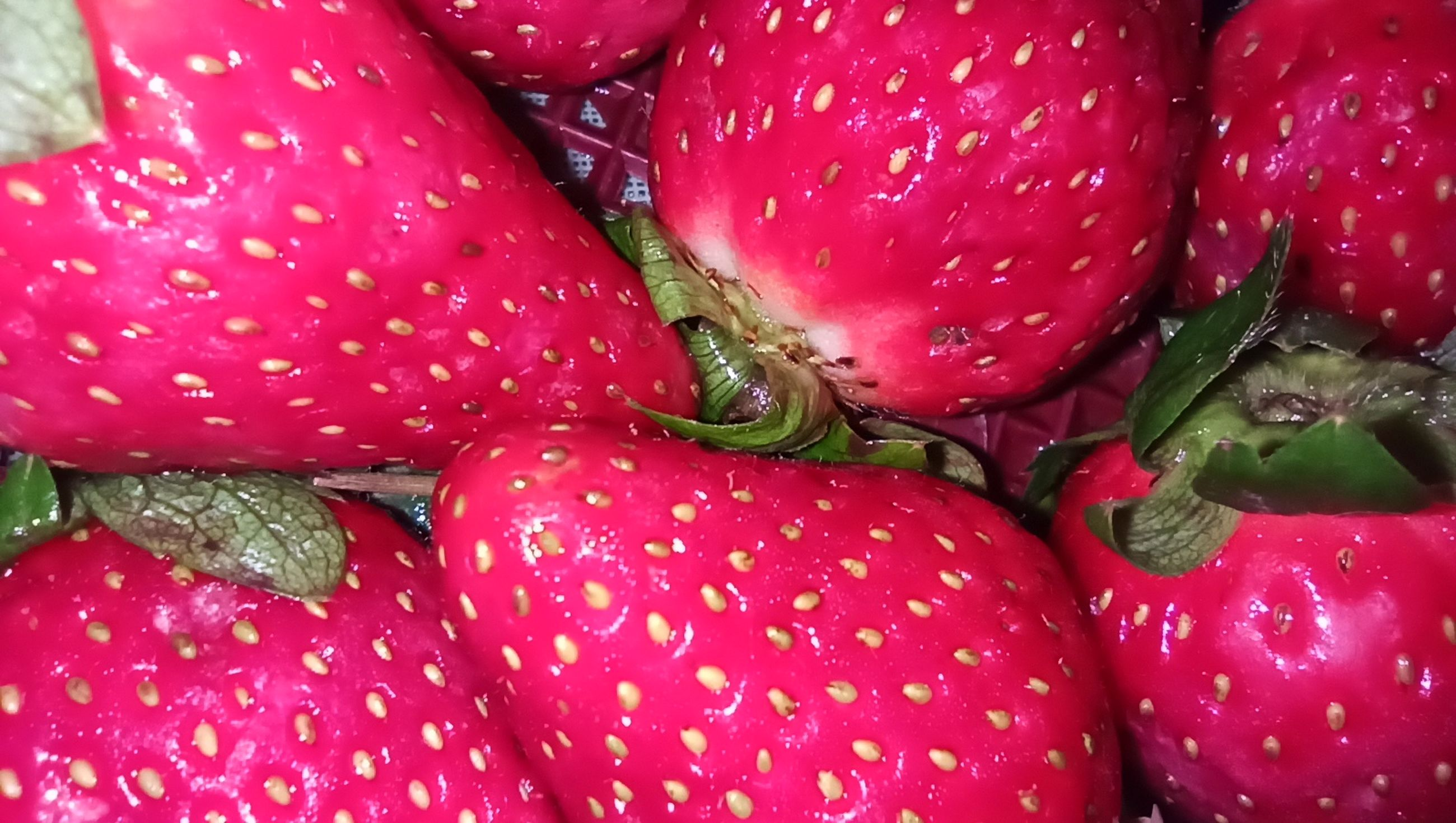 food and drink, freshness, healthy eating, food, fruit, plant, wellbeing, produce, red, full frame, close-up, no people, strawberry, backgrounds, vegetable, still life, pink, indoors, flower, organic, market, high angle view, for sale, wet