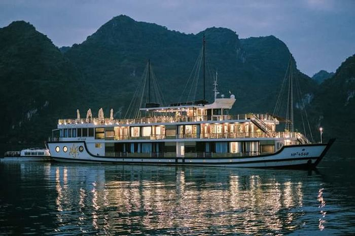 Carnival Crowds And Details Nautical Vessel Water Mountain Travel Destination Ocean Life EyeEmNewHere Night Nature Collection Architecture Transportation Harbor No People Nature Outdoors Sky Cruise Ship Cruise Ship Photos Fujixt2 Fujifilm Travel Destinations Halongbay Ha Long Bay Cruise Ha Long Day