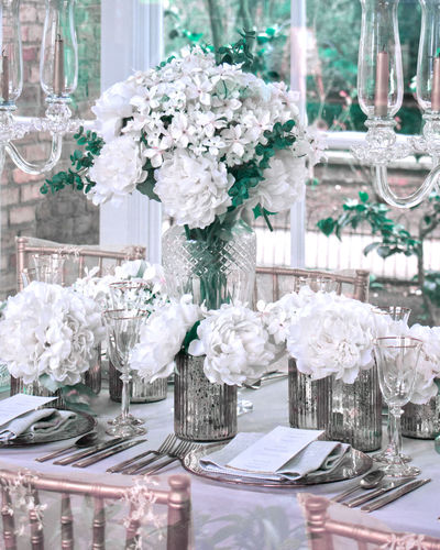 Wedding decoration White Tabletop Scene Wedding Wedddingphotographer Wedding Photography Wedding Day Wedding Decoration Wedding Details Wedding Decor Water City Winter Cold Temperature Close-up
