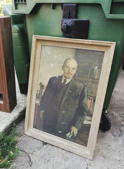 Portrait Lenin Vladimir Ilych Ulynov Trash Streetphotography Streetscene