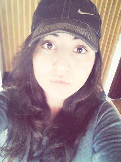Şapkalı kız ? Şapkamyanıyor Gözler Ateş