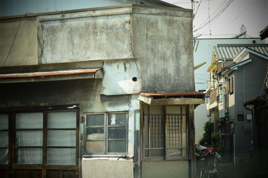 生きる Life Force Streetphotography 日常 Built Structure Old House
