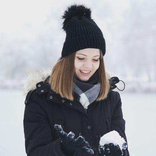 Wife NX300 Hat Jacket December White Warm Clothing Young Women Snow Cold Temperature Winter Portrait Smiling Women Happiness Snowfall Snowing Snowball Winter Coat