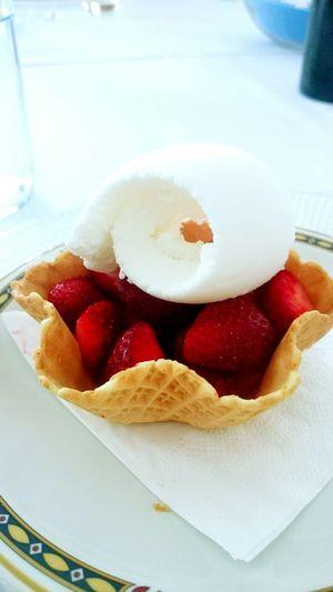 ice cream Strowberry Dessert food foodgasm fruits